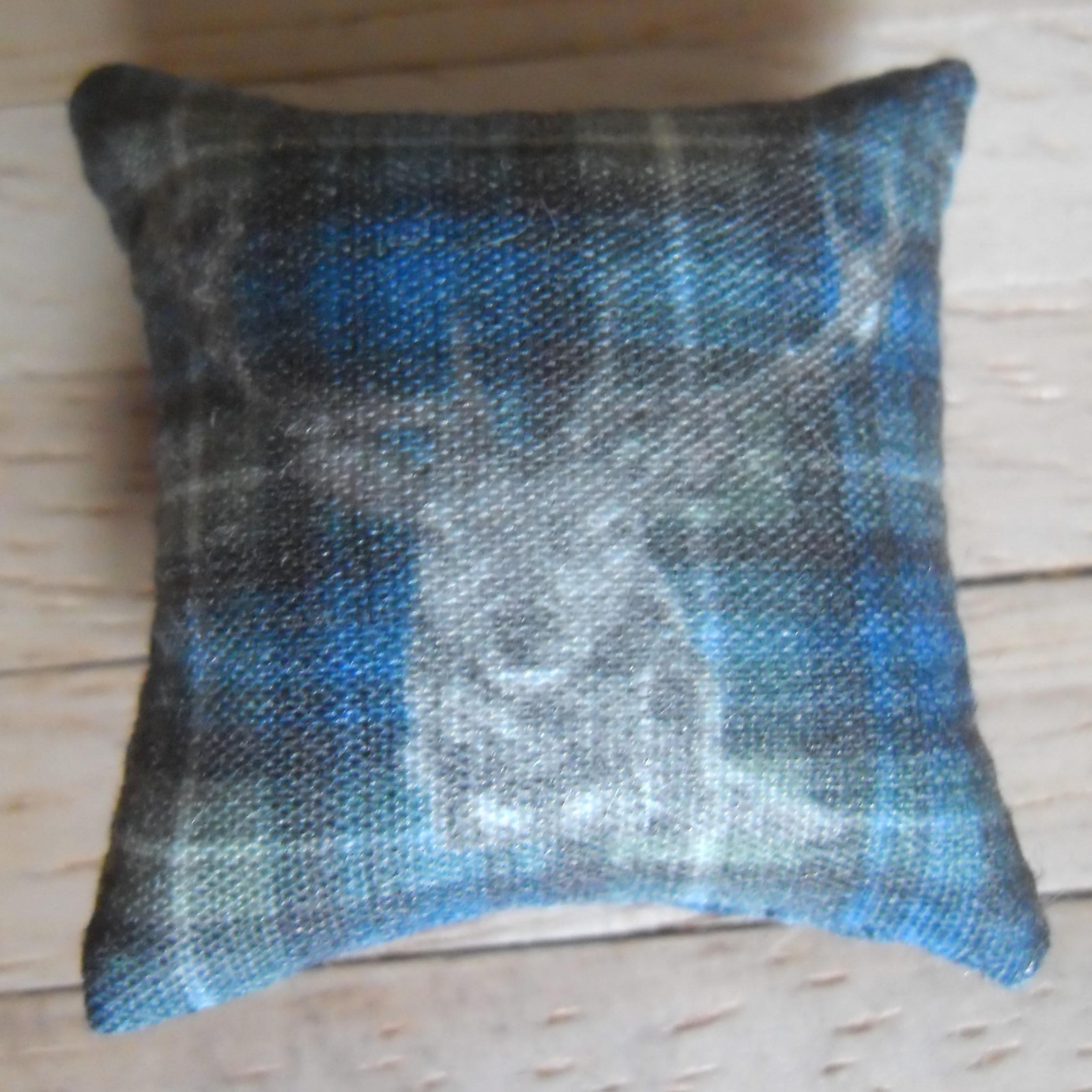 Fox Design 1//12th Scale Dolls House Red /& Blue Tartan Cushion